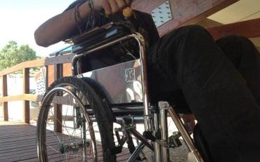 αναπηρος.jpg